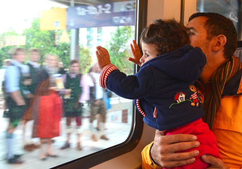 Flyktingar på ett tåg