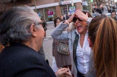 Spanjorer firar lottoseger.